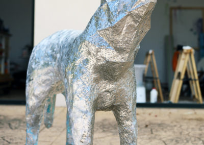 Lobo-Plateado-christian-nienhaus-silberner-wolf-art-objekt-2018-06